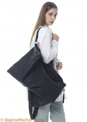 Leather bag by SERIEN°UMERICA in black