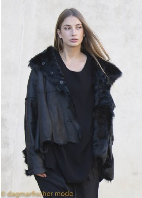 Noble jacket made of Chekiang lambskin by RUNDHOLZ in black