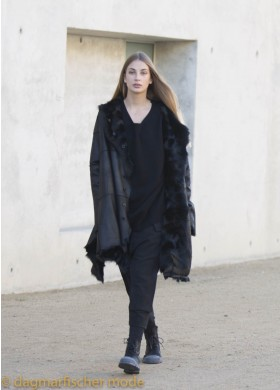 Extravagant reversible oversize coat from Chekiang lambskin by RUNDHOLZ in black