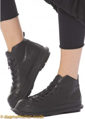 Low shoes by RUNDHOLZ BLACK LABEL in black