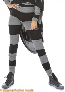 Leggings SNOWFLAKE ON MY FACE von BLACK by K&M in black with grey