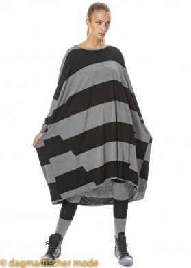 Oversize Tunika PICK UP THAT PHONE von BLACK by K&M in black with grey